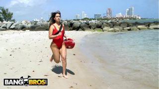 BANGBROS –  Latina Lifeguard Valerie Kay Rescues A Big Black Cock