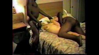 Biondona scopata in motel