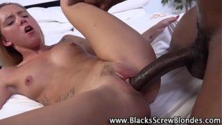 Teen rides black schlong